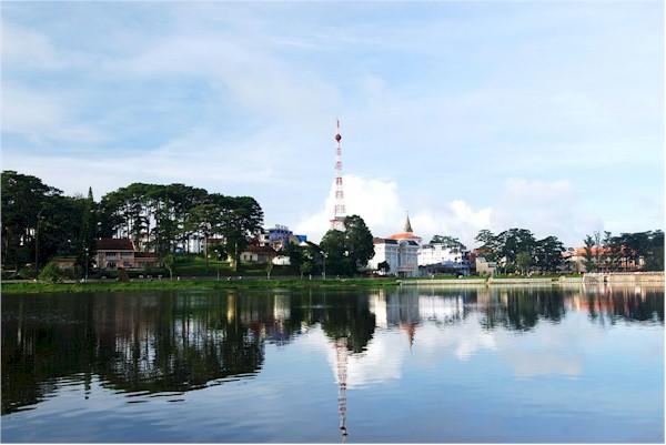 Travel to Romantic and Flower City of Dalat- Vietnam via Nice Photos